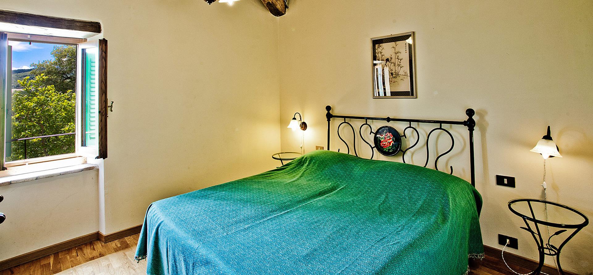 Camera matrimoniale appartamento Casina in Toscana