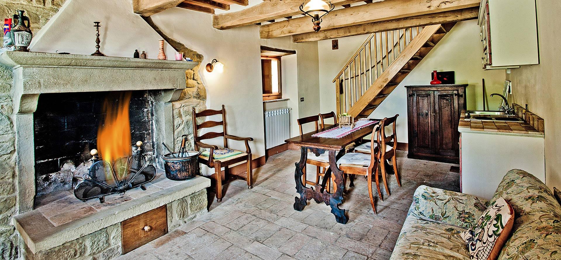 Soggiorno e cucina appartamento La Casina in Toscana