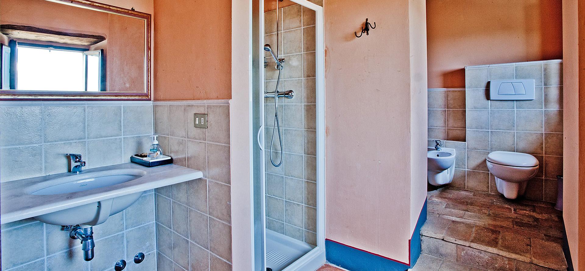 Camera rosa appartamento vacanza Mirolago 6-10 persone