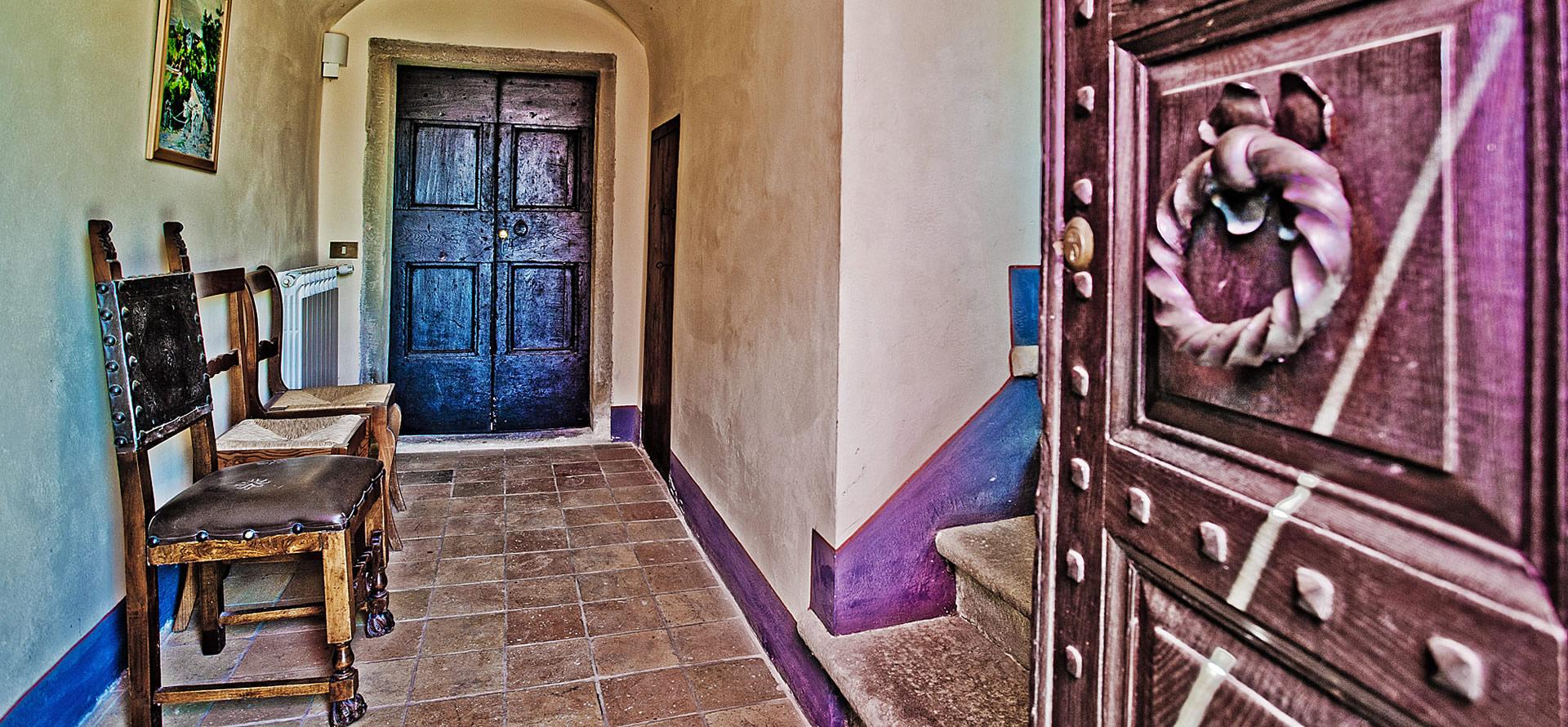Ingresso appartamento Mirolago vacanza in Toscana