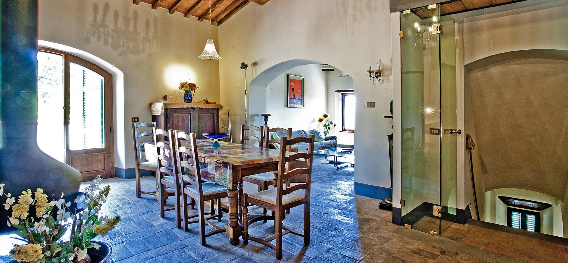 Sala da pranzo per 6-10 persone appartamento Mirolago