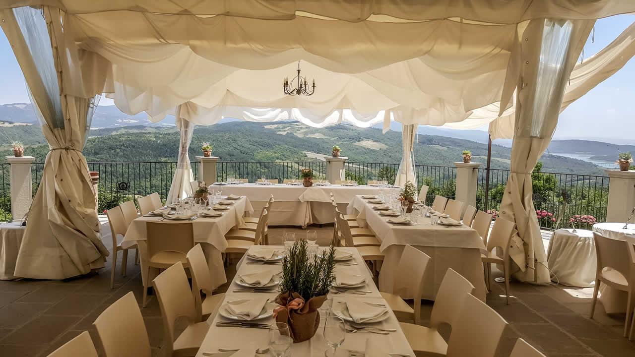 Ricevimento di matrimonio terrazza panoramica agriturismo