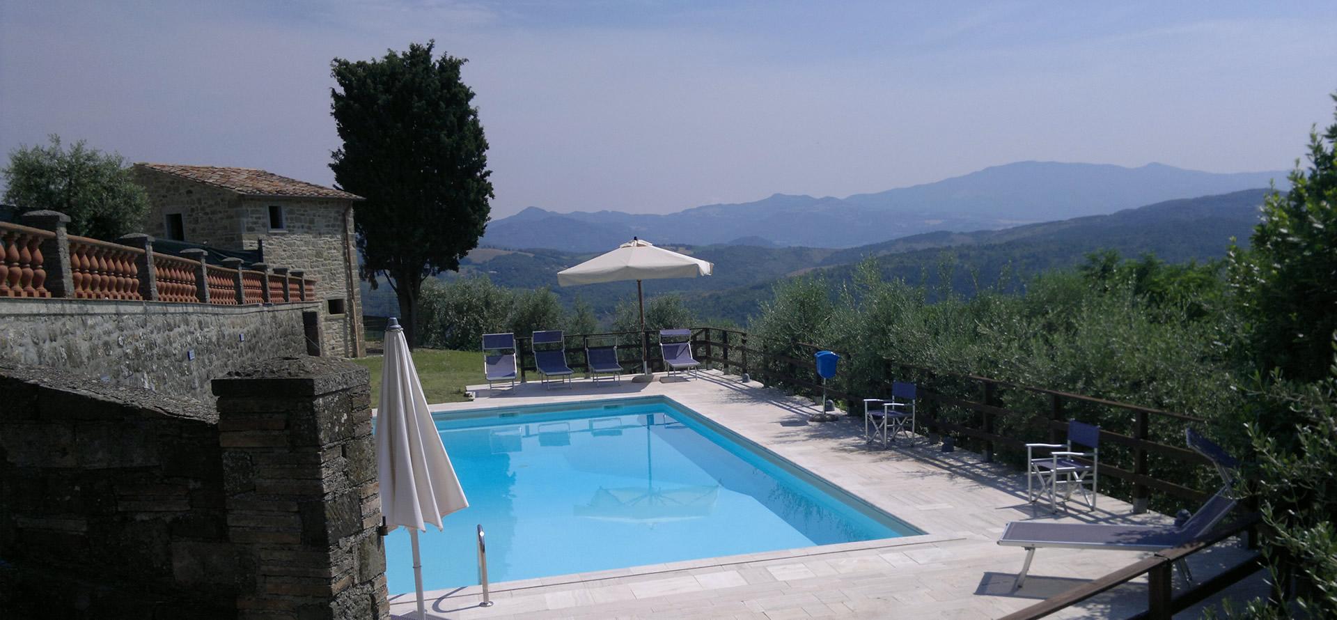 Piscina panoramica Valtiberina Toscana