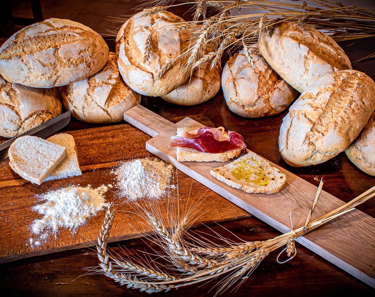 Pane fatto in casa con Grani Antichi