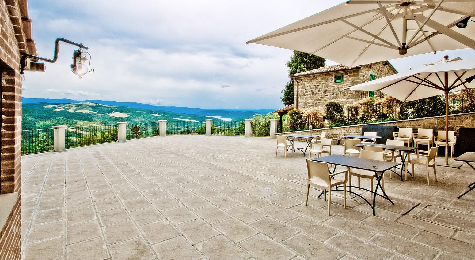 Terrazza panoramica agriturismo Caprese Michelangelo