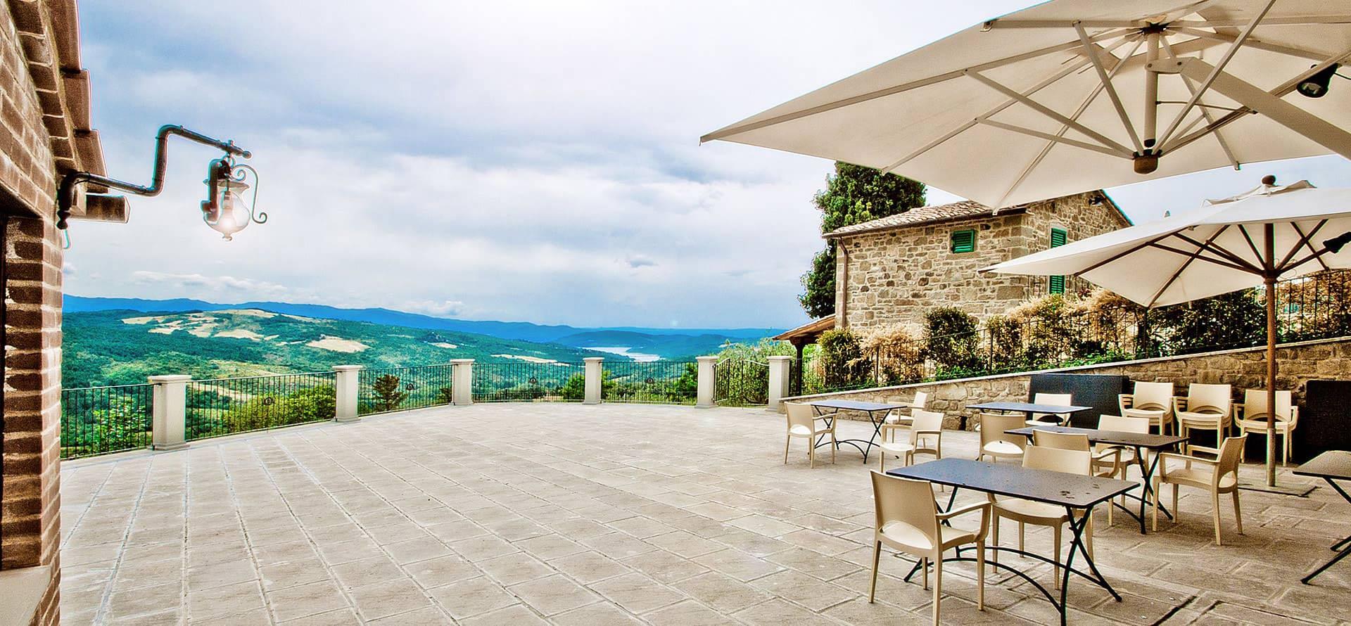 Ristorante a Caprese Michelangelo con terrazza panoramica